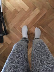 camillabergmann_genoptræning_ankelskade_sqauet-løbesko